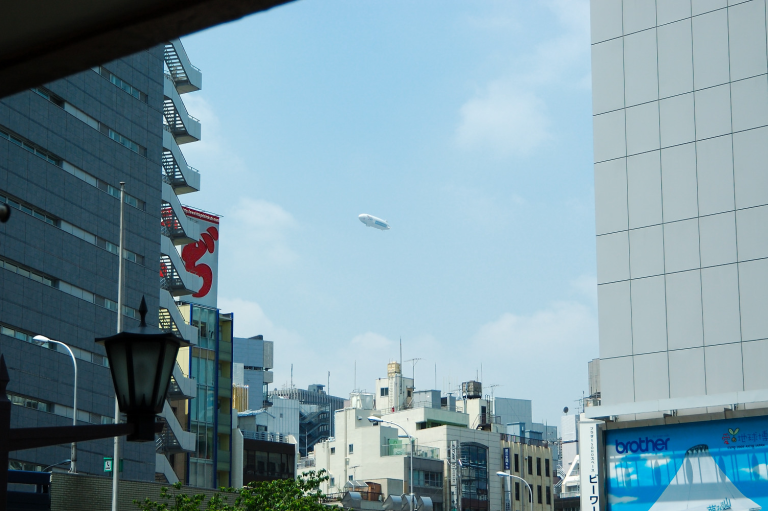 月曜の午前中は京橋