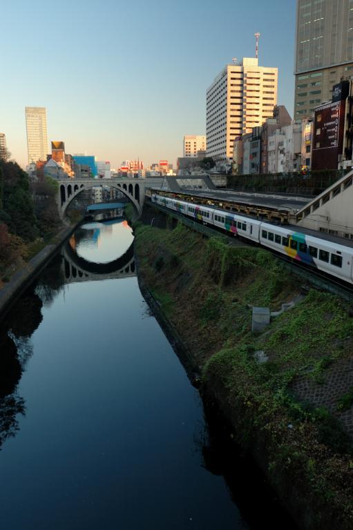 お茶ノ水駅と聖橋