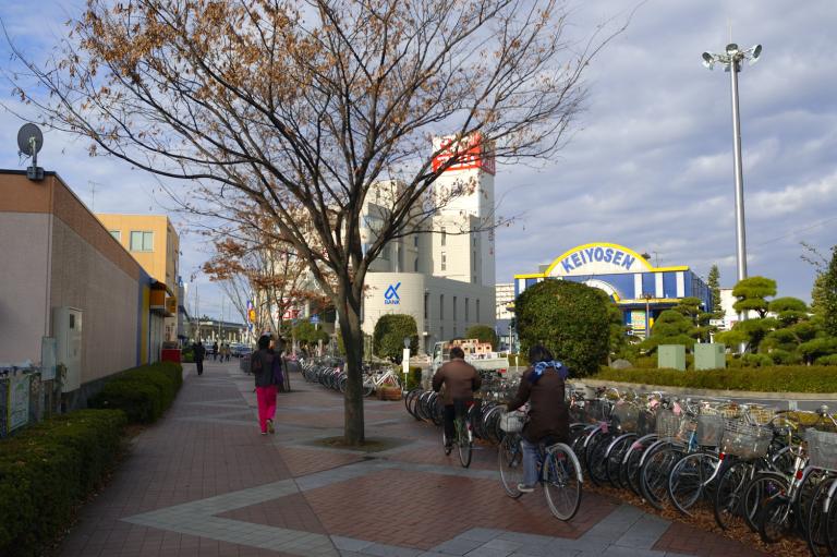 朝のJR稲毛海岸駅北口