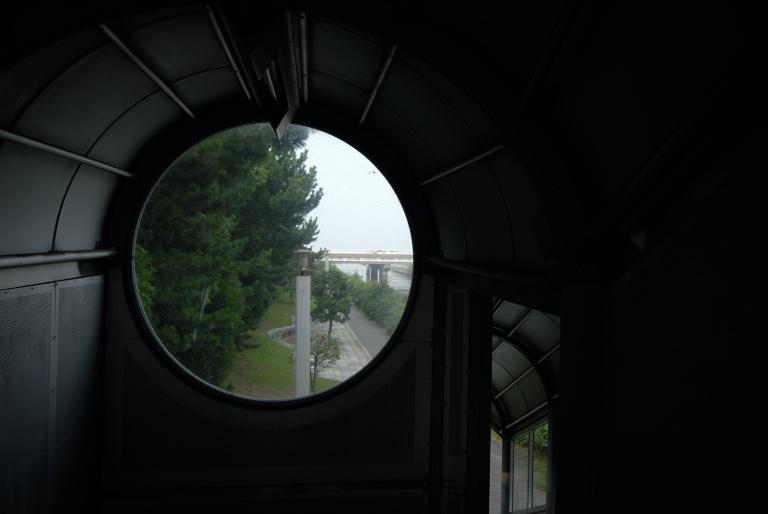 まぁるい窓 I
