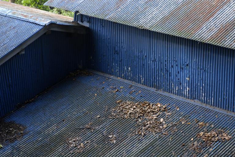 青い屋根と ( another blue XXXIV )